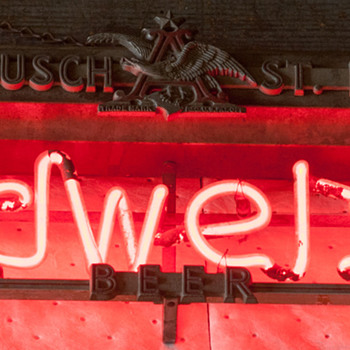 Anheuser Busch St. Louis Neon - Breweriana