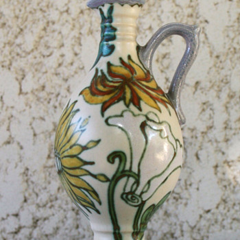 Dutch Gouda ewer
