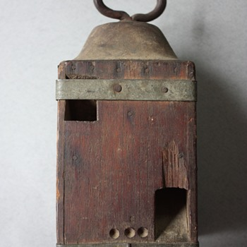 Lantern Shaped Wooden Block