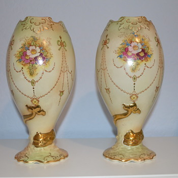 S. Fielding & Co serpent vases - Banff pattern - Pottery