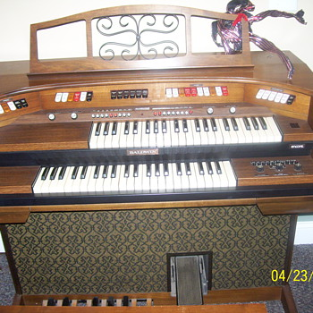 BALDWIN ORGAN - Musical Instruments