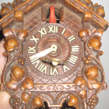 Lux cuckoo clock