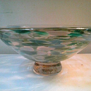 "James Shumate 8 ""Art Glass Bowl /Signed and Dated / Circa 1986"