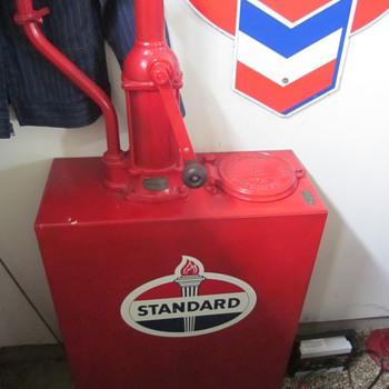 Standard Oil of Indiana Lubester - Petroliana