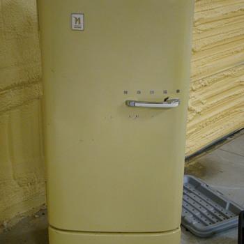Norge Refrigerator - Kitchen