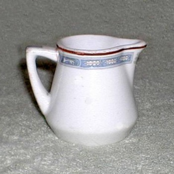 Onondaga Syracuse China Pitcher - China and Dinnerware