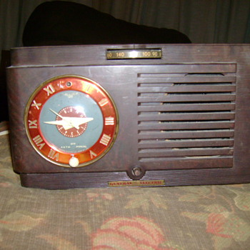 General Electric Clock Radio - Clocks