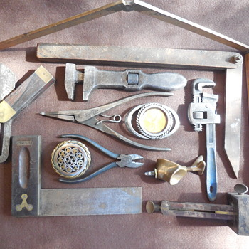 Two Job Made Belt Buckles And Old Tools To Boot For Brunswick(Thomas)