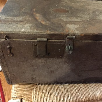 Old Box made by Soldier ?
