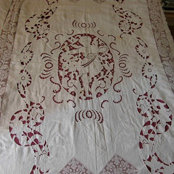Angel pattern Richelieu embroideries , fantastic 1800's bedspead - Rugs and Textiles