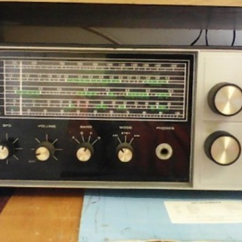 Heathkit SW-717 Short Wave Receiver