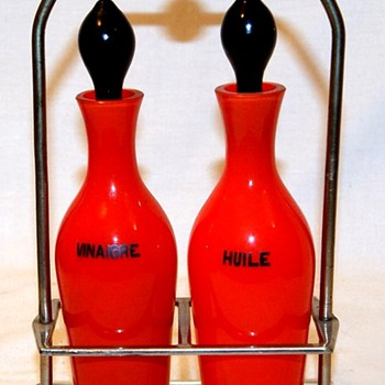 HARRACHOV? RED TANGO CRUET SET--A GIFT! - Art Glass