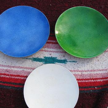 Leonard Rankin footed plates - Mid-Century Modern