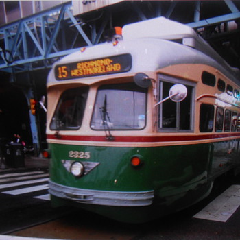 Retro trolley in North Philadelphia - Railroadiana