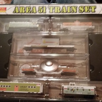 microtrains usaf n scale area 51 train set , layout - Model Trains