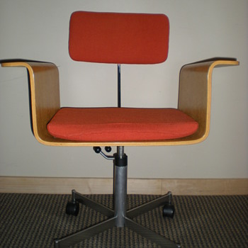 Vintage Bent Plywood Kevi Chair