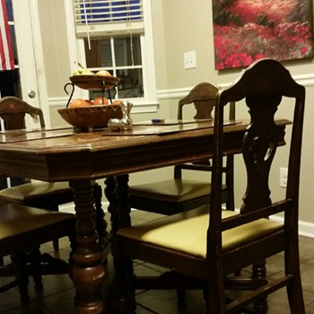 1920's Walnut Veneer Dining Room Table & Chairs by Hoover Chair Company - Furniture