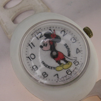 Mickey Bubble Case - Wristwatches
