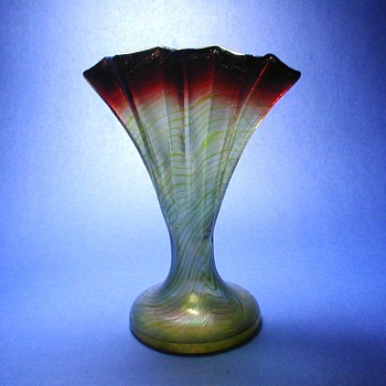 Rindskopf Pepita Fan Vase - Art Glass