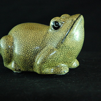 Porcelain Crackle Glaze Frog