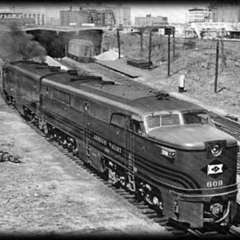 New York Central &amp; Lehigh Valley RR Engines - Railroadiana