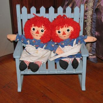 Twin Raggedy Anns