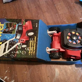 1985 RARE FISHER-PRICE BUBBLE MOWER VINTAGE SEAL AND MINT - Toys