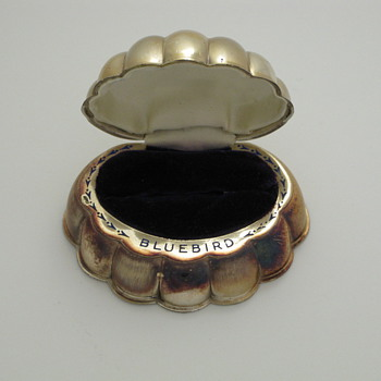 silver clam ring box