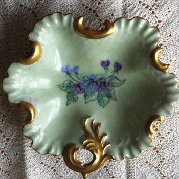 Mystery Artist! Lovely hand painted Leaf Dish - China and Dinnerware
