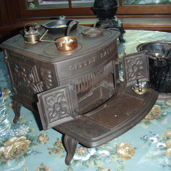 children's cast iron stoves - Toys