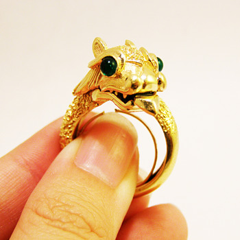 "Vintage Trifari ""Something Wild"" Dragon Ring - Costume Jewelry"