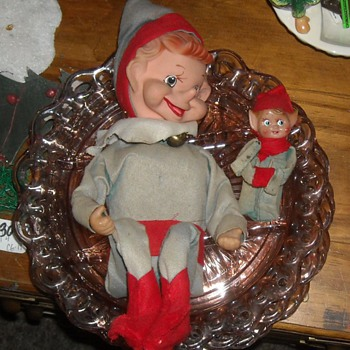 Vintage Extra Large Musical Knee Hugger Elf - Christmas
