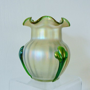 Nouveau Kralik Tri Claw Ruffed Rim Green/White Opalescent Iridescent Vase