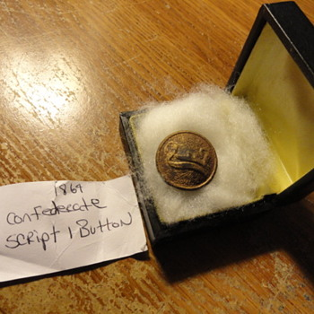 1864 Confederate script 1 Button - Military and Wartime