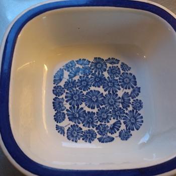 Rörstrand Karolina  - Pottery
