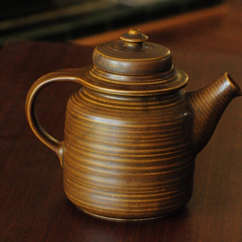 Arabia Finland Pottery Kaarna Tea Coffee Pot