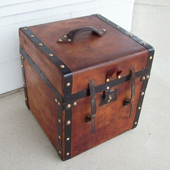 Civil War period square Trunk