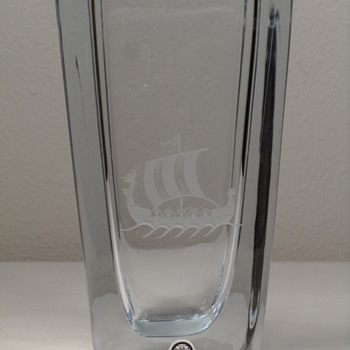 "STROMBERGSHYTTAN VASE ~ VIKING SHIP ~ 6 1/2"" - Art Glass"