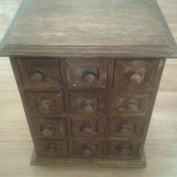 Miniature wooden chest - Furniture