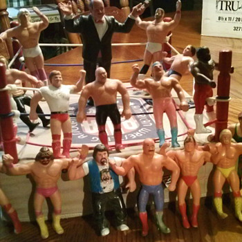 Wrestling action figures  - Toys