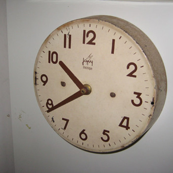 Vintage 50's French Japy Electrique transistor wall clock.