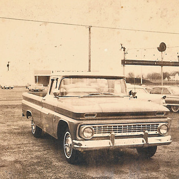 old car dealer pics 1