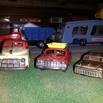 Assorted Small Japan Tin Cars. Linemar style. Part of the Junkyard. - Model Cars