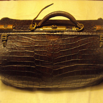 Crocodile Doctor  Bag