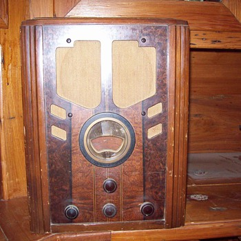Philco Model 38-60 - Radios