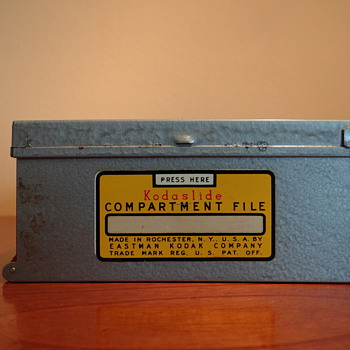 VINTAGE KODASLIDE COMPARTMENT FILE BY EASTMAN KODAK COMPANY-USA
