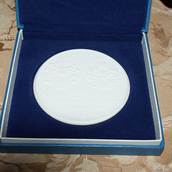 Meissen Porcelain:  Commemorative Medallion