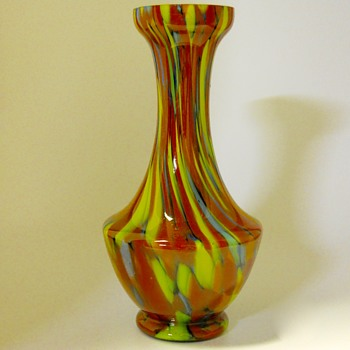 BOHEMIAN CZECH ART GLASS VASE, CIRCA 1920-30