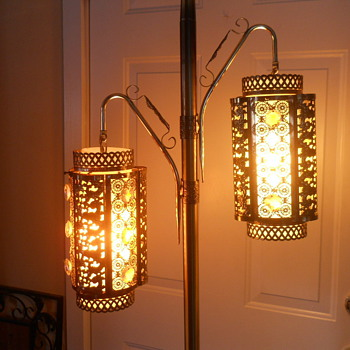 Unique Lantern Floor Lamp-Retro?
