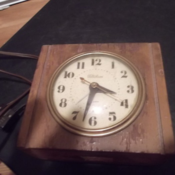 Telechron electric wooden  alarm clock